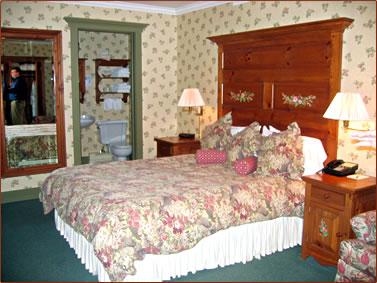 Auberge Lakeview Inn, Eastern Townships, historical travel Quebec, historic accommodations Quebec, senior travel Quebec.