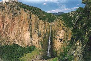 Copper Canyon railroad vacations, Mexico train journeys and Tarahumara culture.