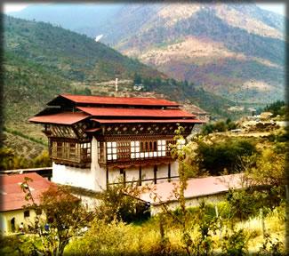 Bhutan travel and tourism: Bhutan farmhouse.
