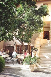 Casa Delfino breakfast courtyard at Chania, Crete