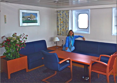 Hanjin Geneva accommodation for cargo ship travel guests.
