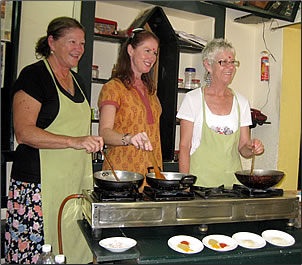 Indian cuisine cooking class, new experiences travel in India.