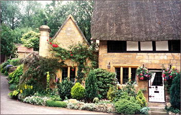 Walking vacations with Sierra Club in Britain's Cotswold region.