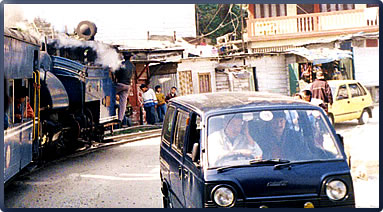 Darjeeling tourism, India travel, railway travel India, railroad heritage tourism India, Darjeeling Himalayan Railway.