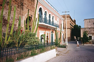 Mexico Copper Canyon accommodation, Copper Canyon towns, Copper Canyon railroad, Copper Canyon ranch holidays.
