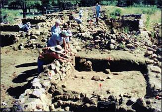 Elden Pueblo provides a learning and volunteer vacation in Arizona.