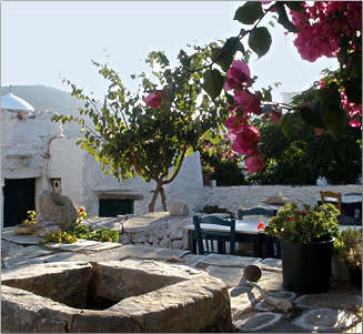 Article about independent travel to Greek Islands, outdoor dining.