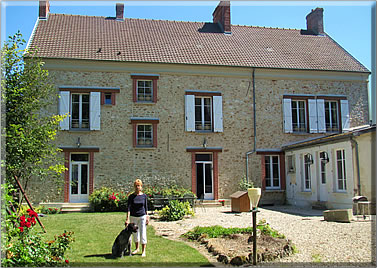 House sitting a chateau in France: tips on house sitting vacations.