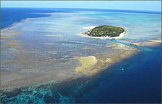 Aerial view of Heron Island, Great Barrier Reef, Australia.