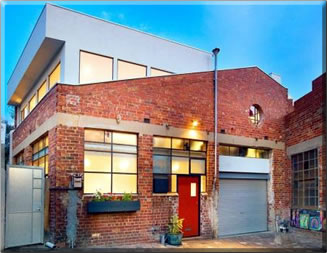 House sitting a trendy converted warehouse home in Melbourne, Australia: house sitting holidays worldwide.