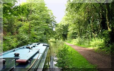 England, narrow boat holidays in Britain.