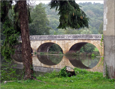 Canal du Nivernais bridge, Burgundy barging, France.