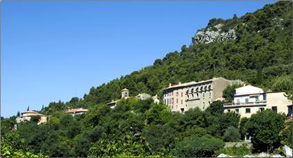 Village of Vauvenargues, Cezanne and Picasso in Provence, art tours in France.