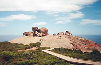 Remarkable Rocks offer spectacular geology on Australian holidays.