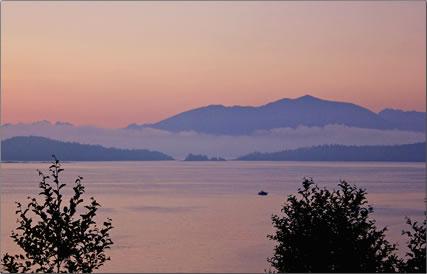 Pacific Coast kayaking and fishing holidays out of Bamfield, British Columbia.