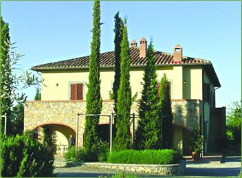 Tuscany villa offers horseback riding vacations and lessons.