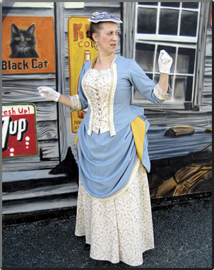 In summer, guided tours of the Chemainus townsite and murals are conducted by guides in historic costume.