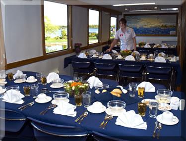 Ontario Waterway Cruises Kawartha Voyager dining room.