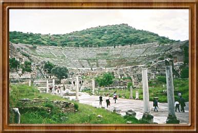 25,000 seat amphitheatre at Ephesus.