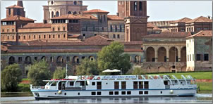 La Bella Vita, barging cruise vessel operating in Venice and northern Italy.