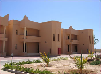 Oman tourism accommodations, hostels to five star.