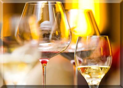 Selecting appropriate glassware for memorable wine tasting.