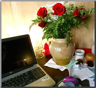 Birthday roses in Italy: senior women travel alone.