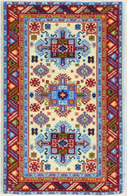 Travel in Turkey, Turkish carpet buying and kilim buying on ElderTreks tour.