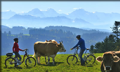 Switzerland's Heart Route, senior-friendly hiking and cycling in Switzerland.