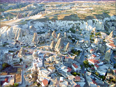 Alison Gardner shares amazing photos of her ride over the dramatic Cappadocia scenery of Turkey.