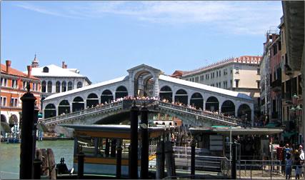 Rialto Bridge: Venice UNESCO World Heritage Site.