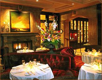 Wedgewood Hotel's gracious, elegant dining room in Vancouver, British Columbia.