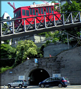 Funicular takes students to Zurich University.