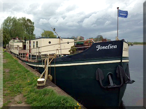 Schip Josefien was originally built as a canal cargo boat.