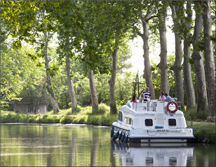 Le Boat offers self-drive canal cruises on canals in Europe and Canada.