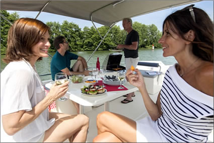 Le Boat launches its first self-skippered canal cruises on Canada's Rideau Canal.