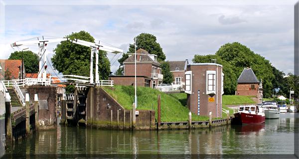 A canal lock near Leiden.