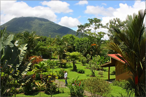 Catarata-Lodge-Garden