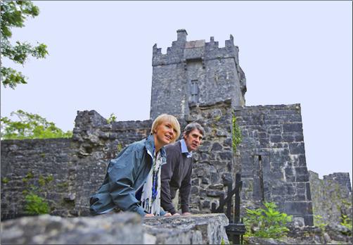 Vagabond-Driftwood-Tours-Aughnanure-Castle