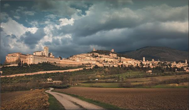 Italy-Assissi-Basilica-of-San-Francesco.