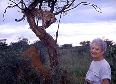 Dorothy-Conlon-with-Cheetah
