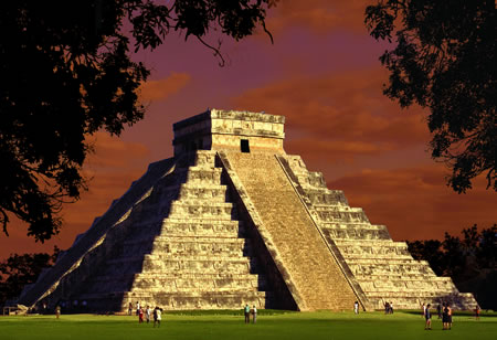 Mexico-Chichen-Itza-El-Castillo