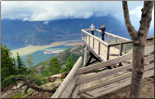 Lookout-over-Howe-Sound-Squamish
