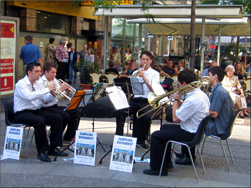 Vienna-Ringstrasse-Entertainers